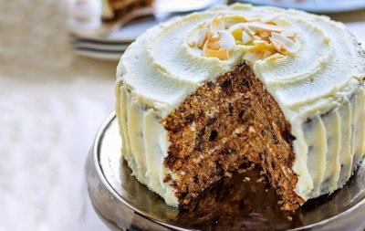 NO ADDED SUGAR CARROT CAKE