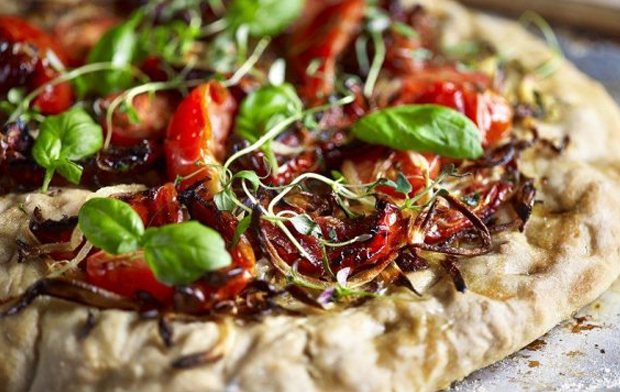 OVEN-DRIED TOMATO & BASIL PIZZA