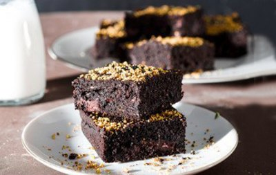 DARK CHOCOLATE CAULIFLOWER SPELT BROWNIES